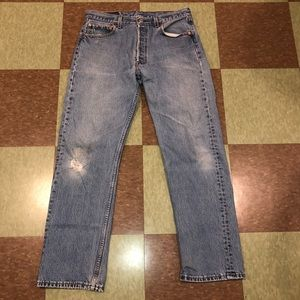 Vtg Levi's USA 501 straight leg distressed jeans